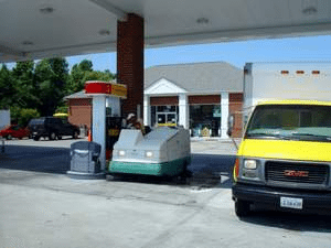 gas-station-cleaning