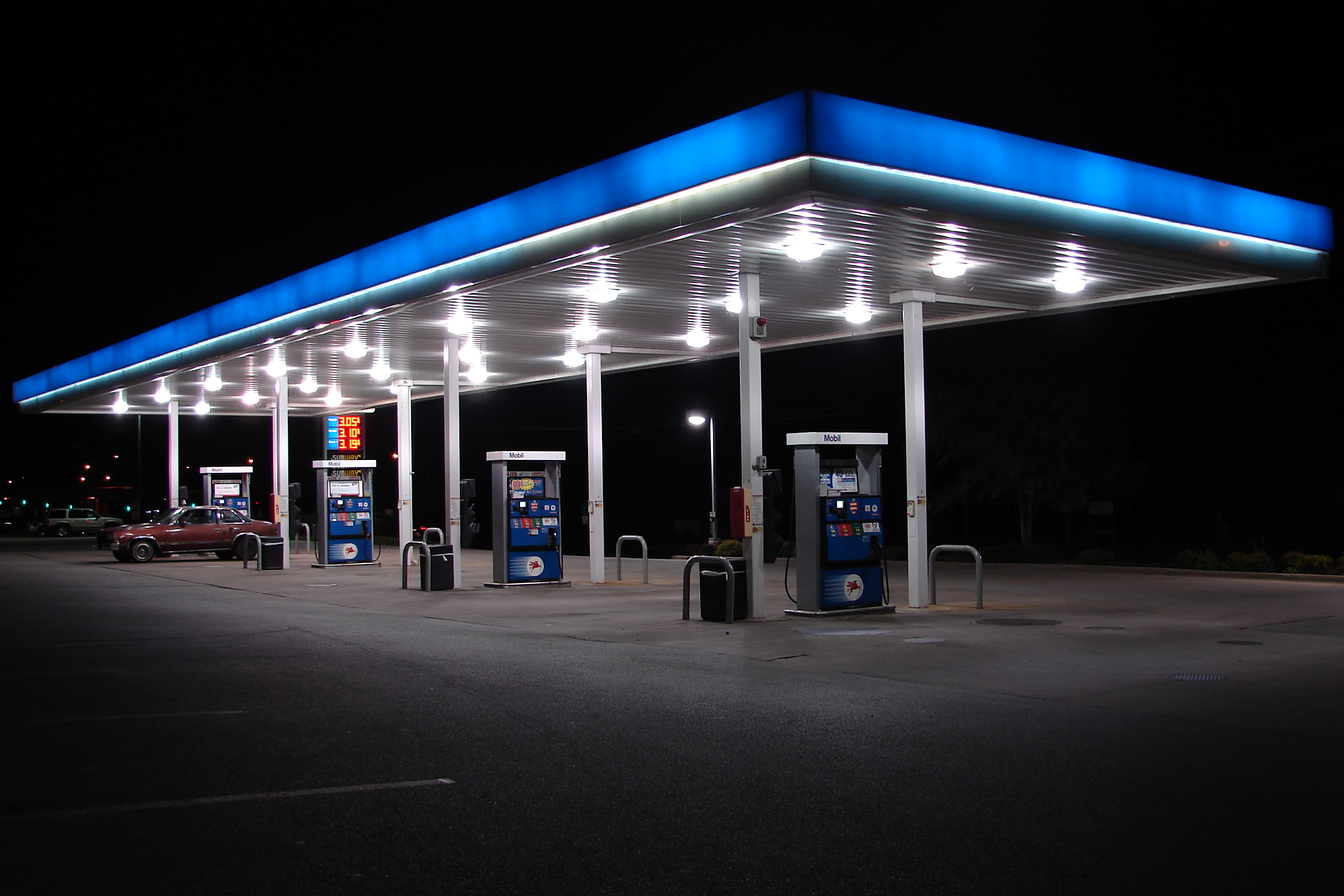 & Gas Station Pressure Washing | ECO Technologies
